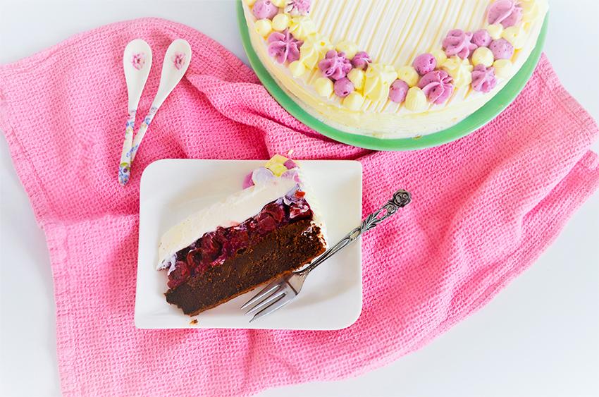 Čokoladna torta s višnjama